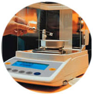 microbalance used to determine a diamond's carat weight