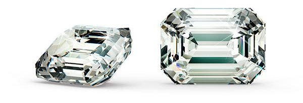 6 Beyonce engagement ring emerald cut stone e1552202544465 - Jennifer Lopez's Engagement Ring