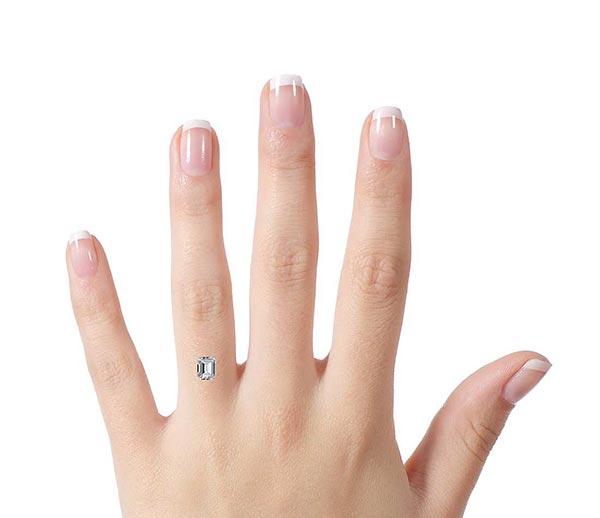 9 beyonce engagement ring 1 carat comparison - Beyoncé's Engagement Ring