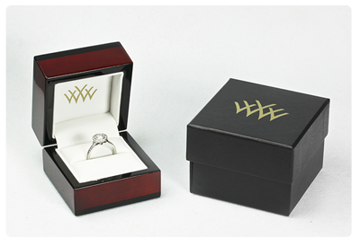 Whiteflash engagement ring box