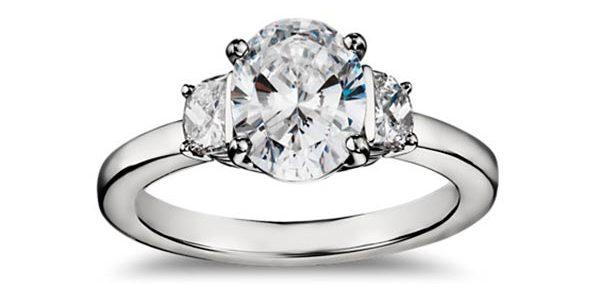 4 Serena Williams Engagement Ring Three Stone Setting 1 e1534730138146 - Serena Williams's Engagement Ring