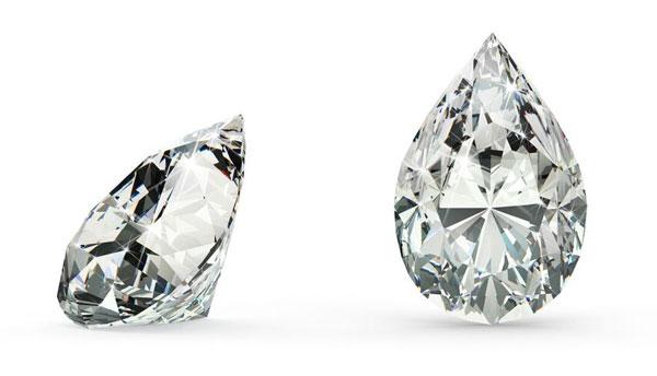 4 Margot Robbie Pear Cut diamond - Margot Robbie's Engagement Ring
