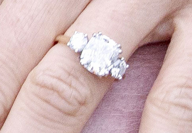 harry meghan ring close up - Meghan Markle's Engagement Ring