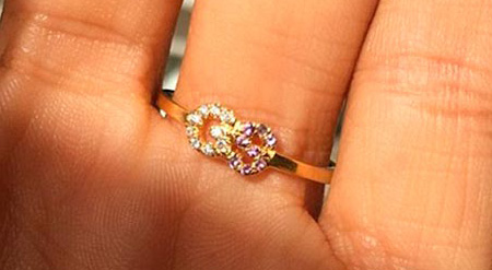 4 Shanina Shaiks engagement ring back details 2 - Shanina Shaik's Engagement Ring