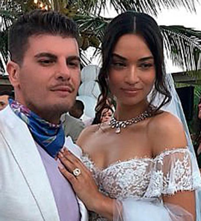 5 Shanina Shaiks engagement ring halo upgrade 2 - Shanina Shaik's Engagement Ring
