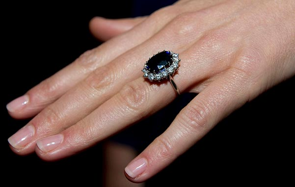 3 Kate Middletons Engagement Ring Close Up - Kate Middleton's Engagement Ring