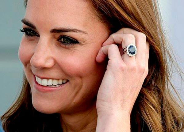 9 Kate Middletons Engagement Ring Setting Close Up - Kate Middleton's Engagement Ring