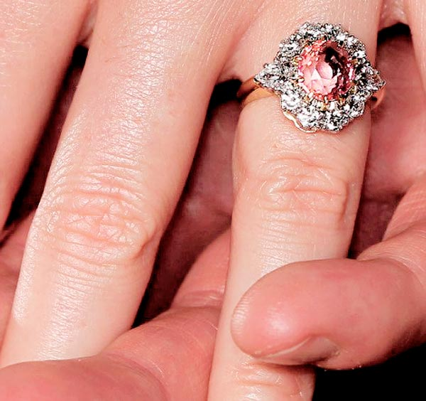Princess Eugenie S Engagement Ring Ringspo