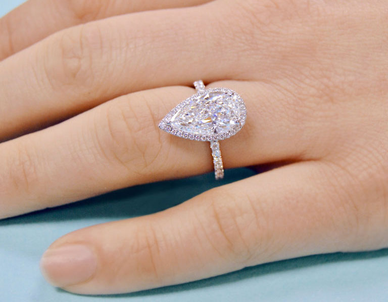 pear diamond on finger