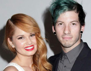 1 Debby Ryans Engagement Ring Debby Ryan And Josh Dun 1 300x235 - Debby Ryan's Engagement Ring