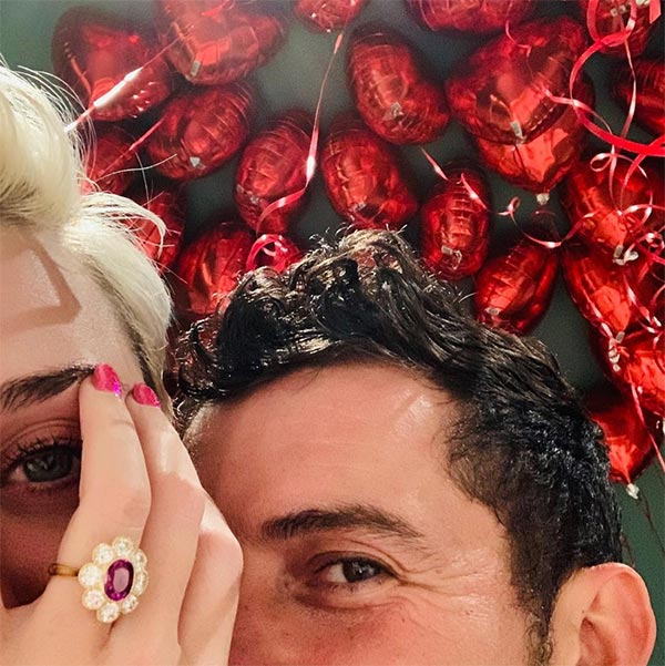 Katy Perrys Engagement Ring Instagram Debut