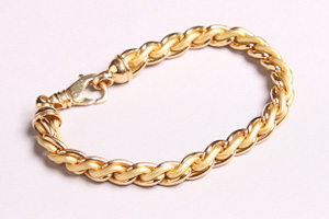 18k gold bracelet - The best place to sell gold for cash
